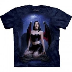 T-Shirt Vampire au Cimetière par The Mountain