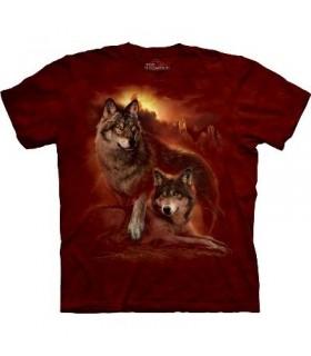 T-shirt Loups dans le coucher de soleil par The Mountain